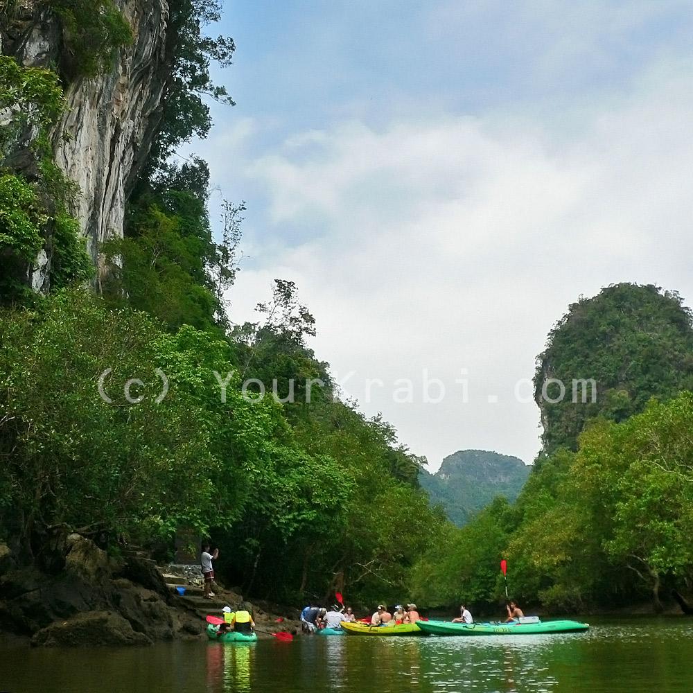 A stop at Pee Hua Toh cave